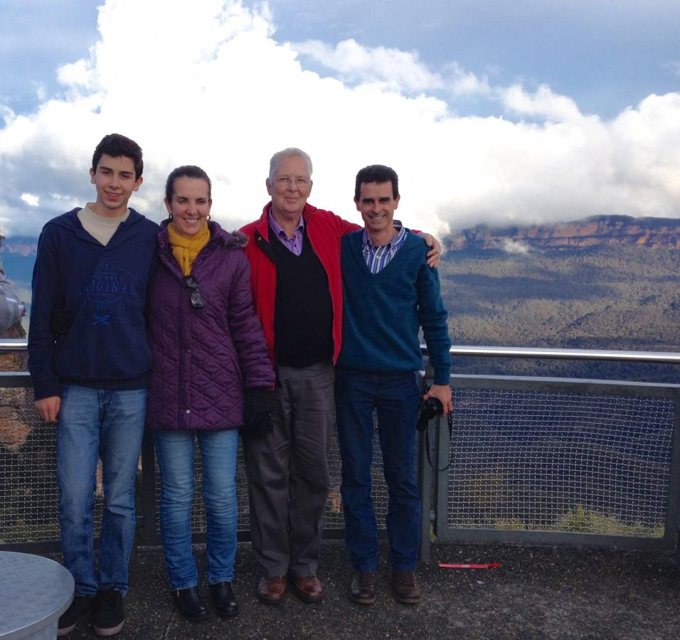 Brazil RYEP student Pedro parents at Katoomba