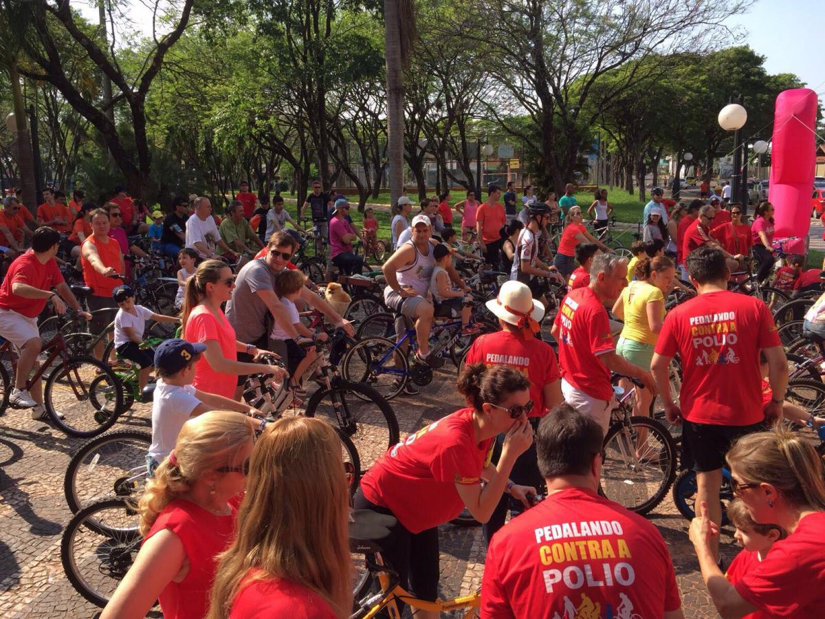 Rotary Paranavaii charity bike ride for Polio 2015
